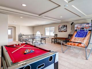 Dazzling new 6 bedroom home/ lavishly furnished - Las Vegas vacation rentals