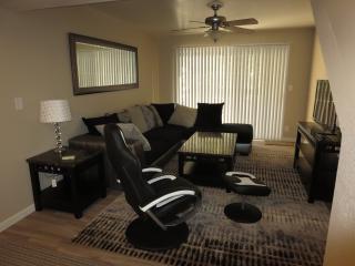Tempe Arizona State University ASU Executive Condo - Tempe vacation rentals