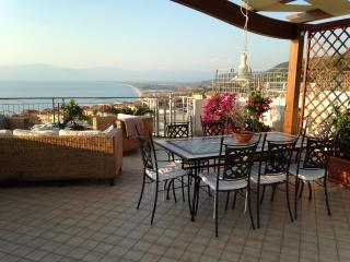 Pizzo, Penthouse 2 bedroom 5 beds, Sea view, pool. - Pizzo vacation rentals