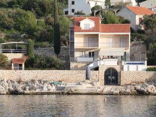 34903 H(8+1) - Cove Stivasnica (Razanj) - Razanj vacation rentals