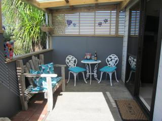 Comfortable Studio with Internet Access and Outdoor Dining Area - Okaihau vacation rentals
