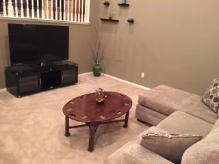 Cozy Townhome 3BD 2.5 Bath Southern California - Whittier vacation rentals