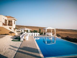 Stunning 6 BR villa, breathtaking views, pool,wifi - Kathikas vacation rentals