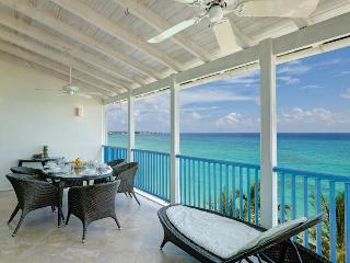 Maxwell Beach 2 Bed Apt - short walk to Oistins - Maxwell vacation rentals