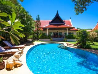 Large Luxury & Greenery 3 Bedrooms Pool Villa - Rawai vacation rentals