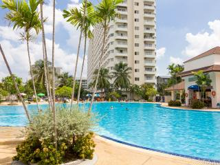 Chic Studio Apt - FREE Electric-WiFi-Cable TV - Pattaya vacation rentals