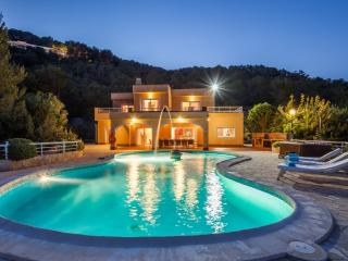 Can KM4 top of the hills - Ibiza Town vacation rentals