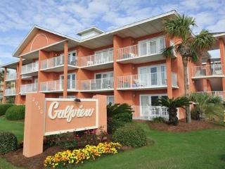 1BR/1BA just steps from the beach!  See the water from the kitchen! - Destin vacation rentals