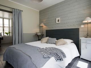 Appartement de charme - pour 2 personnes  - bord de mer - Port-en-Bessin-Huppain vacation rentals