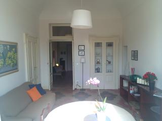 Cozy 3 bedroom Chieti Apartment with Internet Access - Chieti vacation rentals