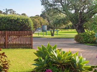 Cooinda Pet Friendly accommodation - Quindalup vacation rentals