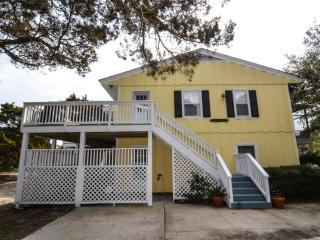 Nice House with Deck and Television - Pawleys Island vacation rentals