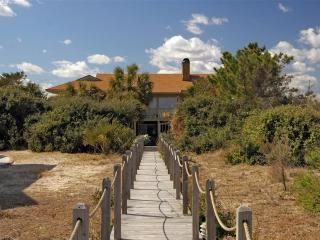 Bright 5 bedroom House in Pawleys Island with Deck - Pawleys Island vacation rentals