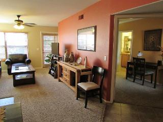 2nd Floor Charming Condo with Private Patio and Many Upgrade Throughout - Tucson vacation rentals
