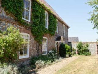 Beautiful B&B with Internet Access and Long Term Rentals Allowed - Thetford vacation rentals