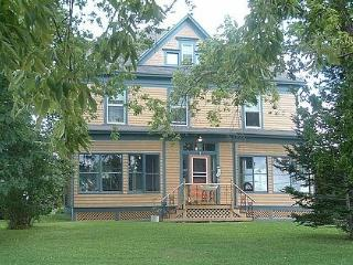 Cozy 3 bedroom Bed and Breakfast in Port Elgin - Port Elgin vacation rentals