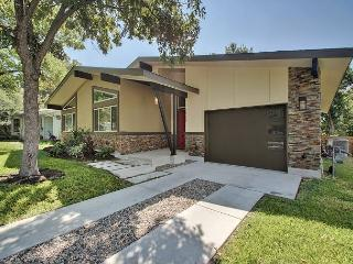 3BR Modern Beauty - Close to UT/Downtown - Austin vacation rentals