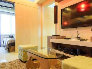 Marjorie's Cradle, 2BR@SEA Residences,Mall of Asia - Pasay vacation rentals