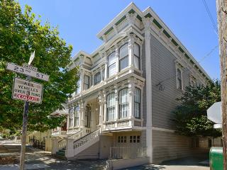 Noe Valley Victorian condo - San Francisco vacation rentals