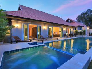 The Ville Grande Pool Villa - 4Bedrooms (C21) - Jomtien Beach vacation rentals