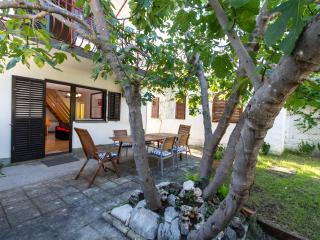 Beach house w/ garden&parking near Trogir,Croatia - Trogir vacation rentals