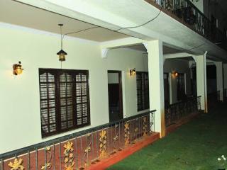 Nice 4 bedroom Mysore Cottage with Deck - Mysore vacation rentals