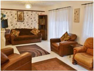Luxury room to rent in large spacious accomodation - Tansley vacation rentals