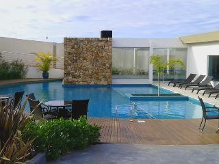 Lindo apartamento todo mobiliado próximo à praia - Campeche vacation rentals