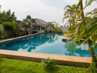 Modern Thai luxury 2 bed villa in Bangsaray - Ban Bueng vacation rentals