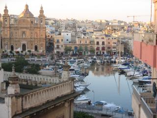 Superbly Located with Marina view near Valletta - Pieta vacation rentals