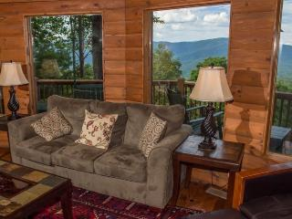 Cohutta Mountain Lodge - Family cabin with mountain view! Four bedrooms, three baths and hot tub! - Chatsworth vacation rentals