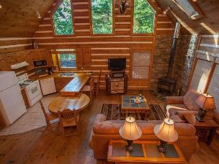 Raccoon Lodge - Spacious living room and kitchen! Pool table and hot tub - Chatsworth vacation rentals