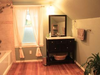 Mathew's Beach - Sunny Guest Suite - Seattle vacation rentals