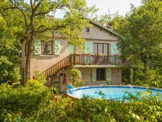 La Maison du Saut de la Mounine. Animals welcome - Villeneuve d'Aveyron vacation rentals
