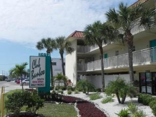Club Bamboo Resorts - Gulf Front Room 122 - Holmes Beach vacation rentals