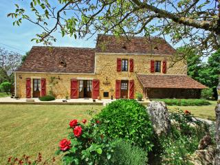 Romantic house 4* heated pool,wond.view, air condi - Saint-Julien-de-Lampon vacation rentals