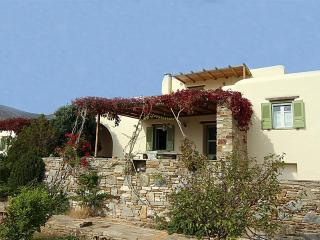Beautiful 2 bedroom Villa in Golden Beach - Golden Beach vacation rentals