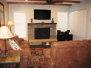 Beautiful Condo with Television and DVD Player - Mammoth Lakes vacation rentals