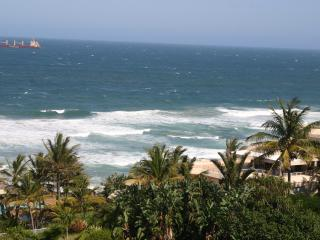 Lovely 3 bedroom Apartment in Umhlanga Rocks with Internet Access - Umhlanga Rocks vacation rentals