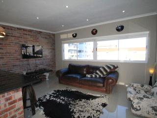 Charming 2 bedroom Apartment in Cape Town - Cape Town vacation rentals