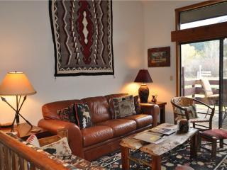Bright Condo with Deck and Internet Access - Wilson vacation rentals