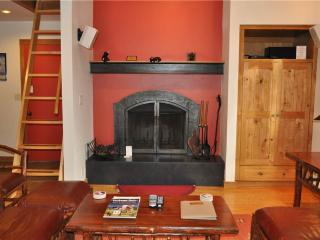 Comfortable 2 bedroom Apartment in Teton Village with Deck - Teton Village vacation rentals