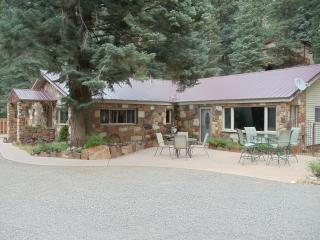 Ouray Stone House 4 bdrms, 2 bath, patio, mtn view - Ouray vacation rentals