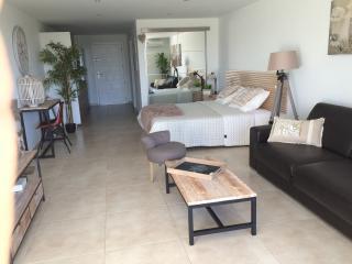 Zen Loft Seaview - Cul de Sac vacation rentals