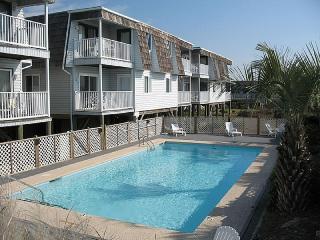 Cozy 3 bedroom Ocean Isle Beach Condo with Water Views - Ocean Isle Beach vacation rentals