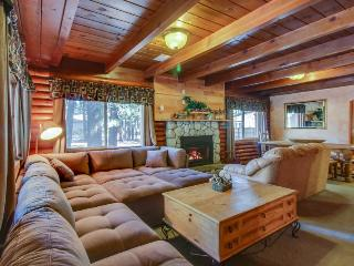 Two-story Tahoe cabin with room for 10 and private hot tub - South Lake Tahoe vacation rentals