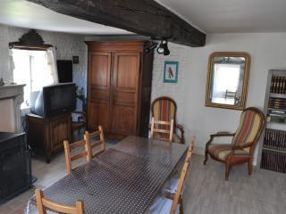 """gîte """"ATHIE POUR TOIT"""" en Côte d'Or (BOURGOGNE) FR - Montbard vacation rentals"""