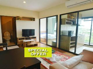Amazing apartment w/pool (4 people) - Chiang Mai vacation rentals