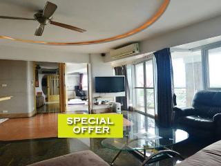 2 bedroom w/fantastic River view - Chiang Mai vacation rentals