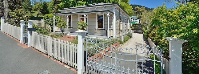 Fairfield Park Villa Holiday Home in Sunny Central Nelson! - Nelson vacation rentals